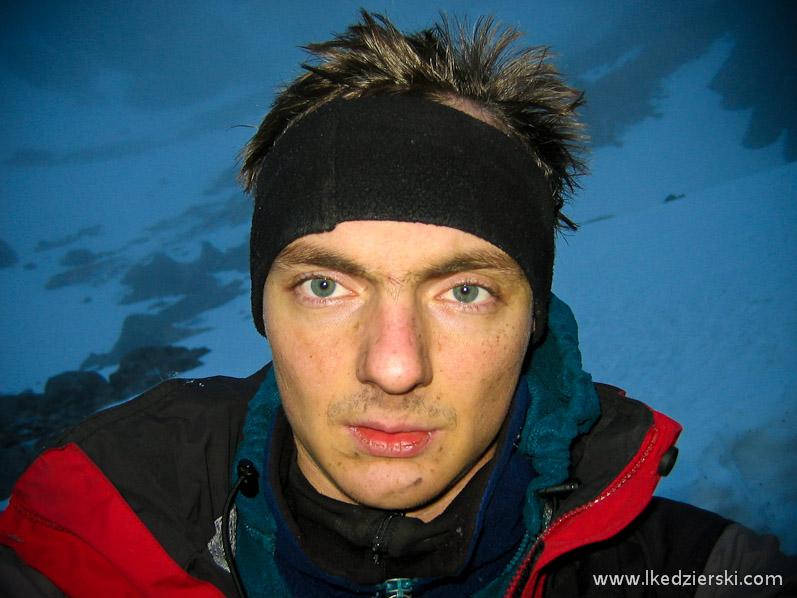 łukasz kędzierski Autor artykułu po ponad 15 godzinnej akcji w Jaskini Wielkiej Śnieżnej. - tatry-akcja-w-jaskini-11