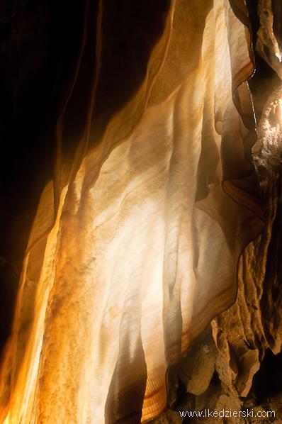 jaskinia postojna kotara