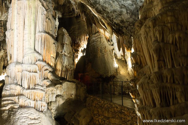 jaskinia postojna nacieki