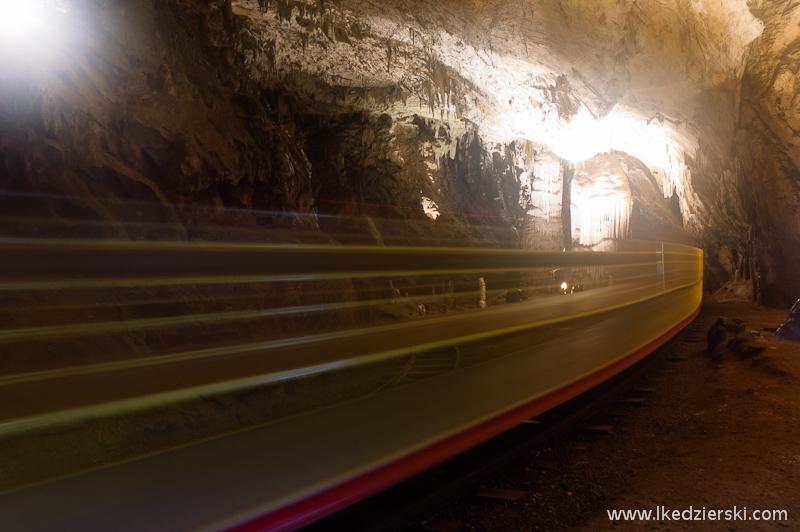 jaskinia postojna pociąg