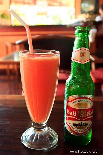 tanie podróżowanie indonezja sok z papai