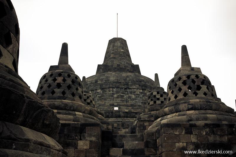 świątynia borobudur stupy