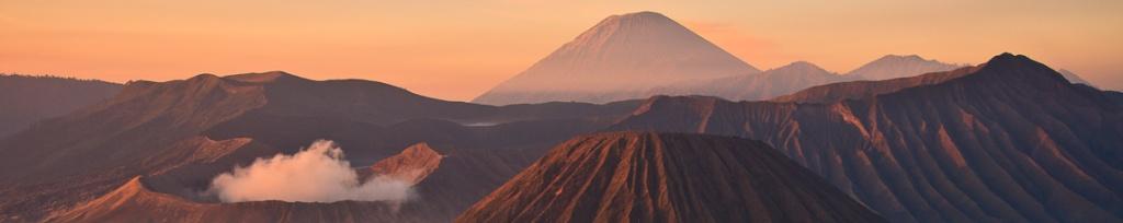 panorama mount bromo sunrise