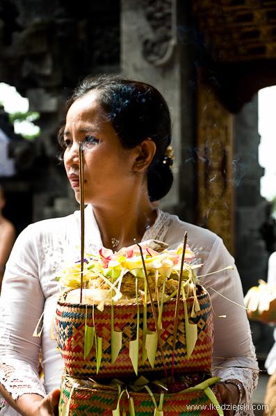 świątynia pura goa lawah