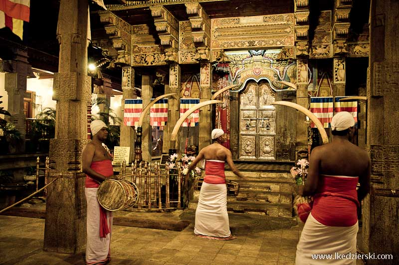 sri lanka podróż kandy sacred tooth temple