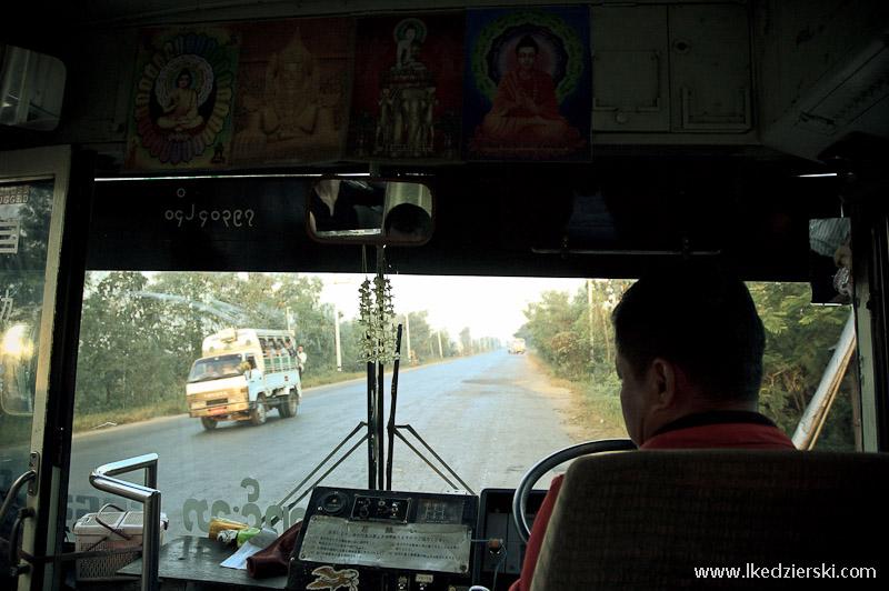 transport w birmie autobus