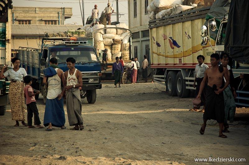transport w birmie dworzec autobusowy