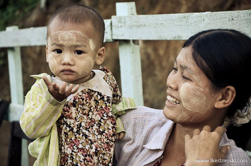 birmańskie dziecko portret