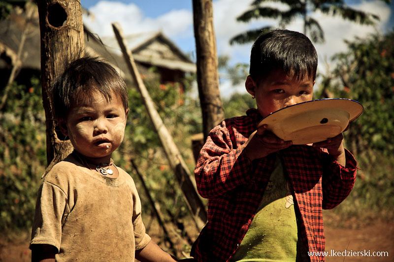 birma dzieci w wiosce