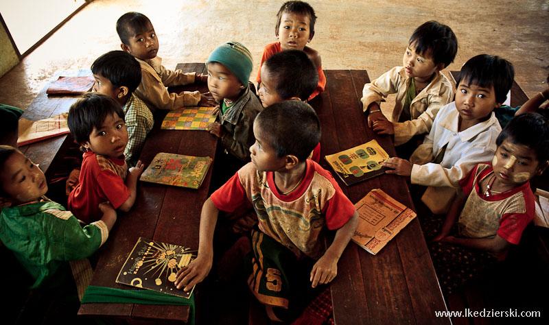 birmańska szkoła