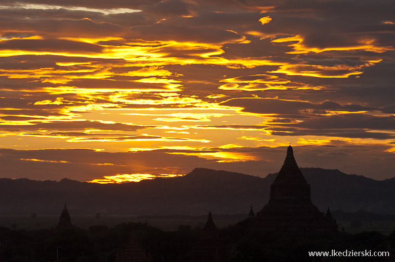 zachód słońca w bagan sunset