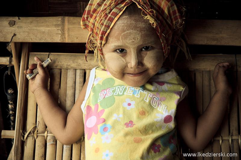 birma-bagan-dziecko