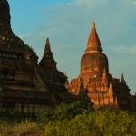 Zwiedzanie Baganu na rowerze