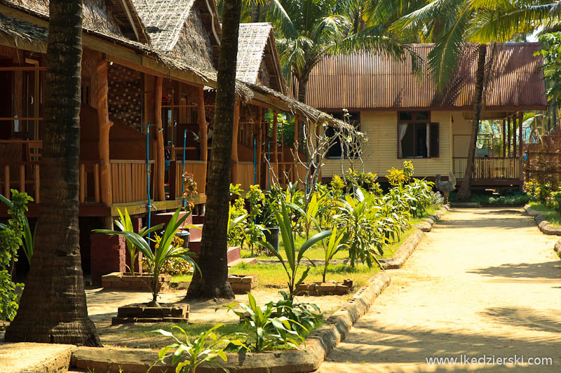 ngwe saung beach bungalow