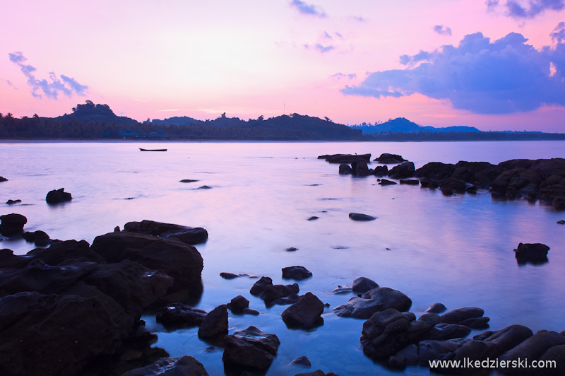 ngwe saung beach sunrise