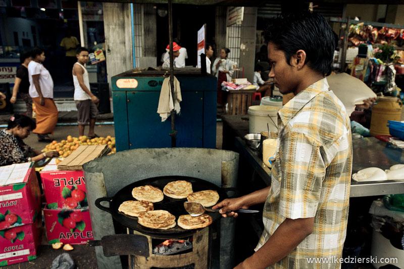 Uliczne jedzenie w Rangunie