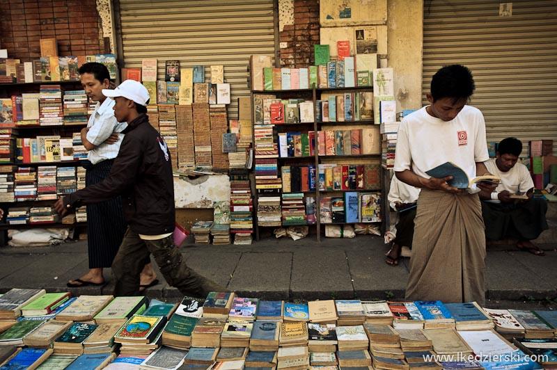 ulice rangunu książki