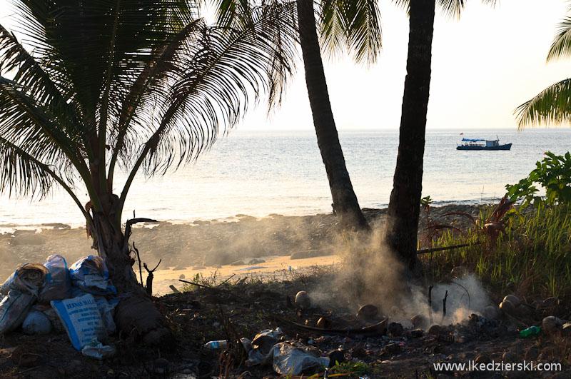wyspa tioman palenie śmieci