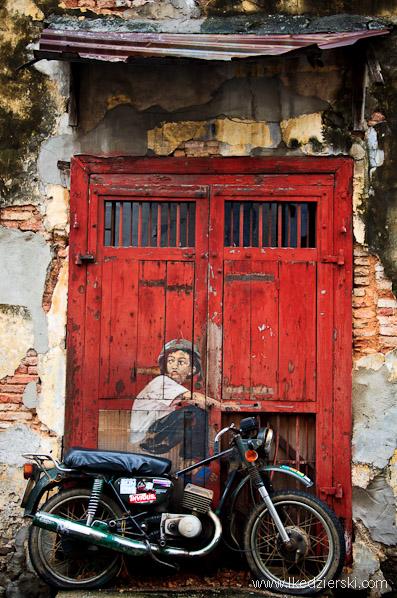 murale w georgetown zacharevic boy on a bike
