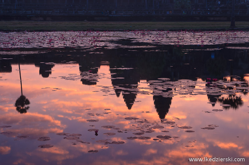 angkor wat sunrise mirror
