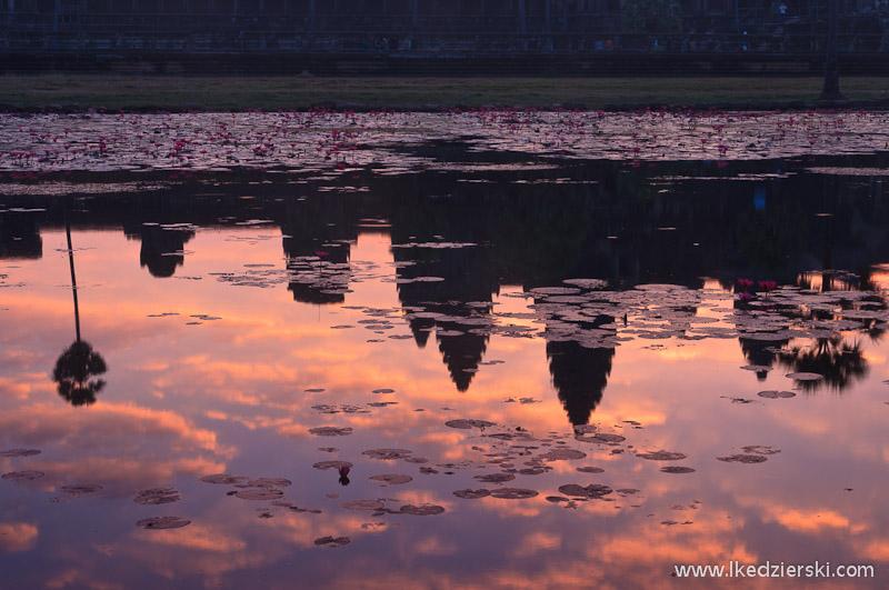 angkor wat sunrise mirror