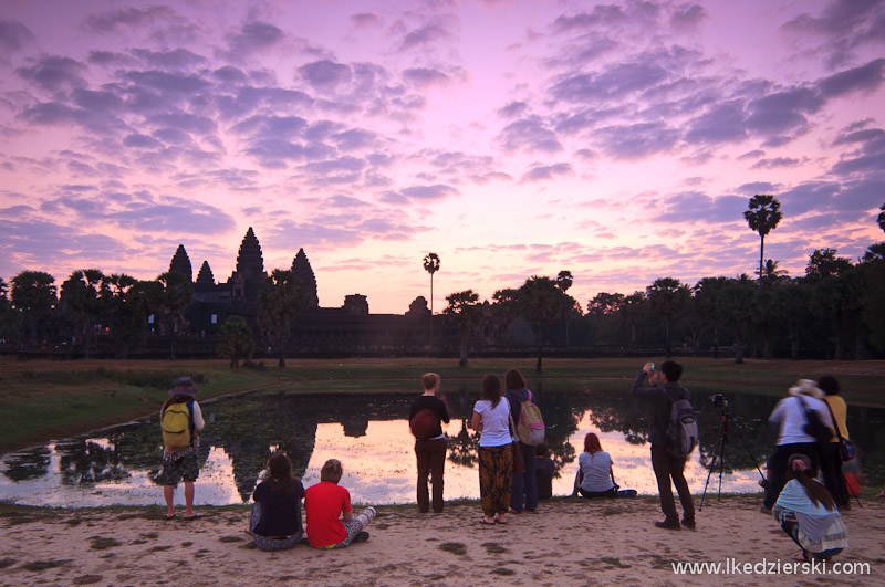 angkor wat sunrise pond