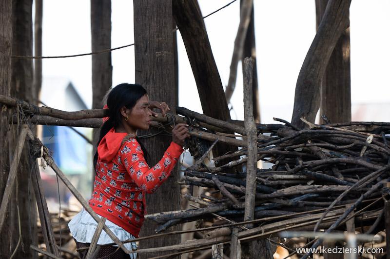 kampong phluk drewno