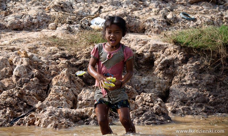 kampong phluk dziewczynka