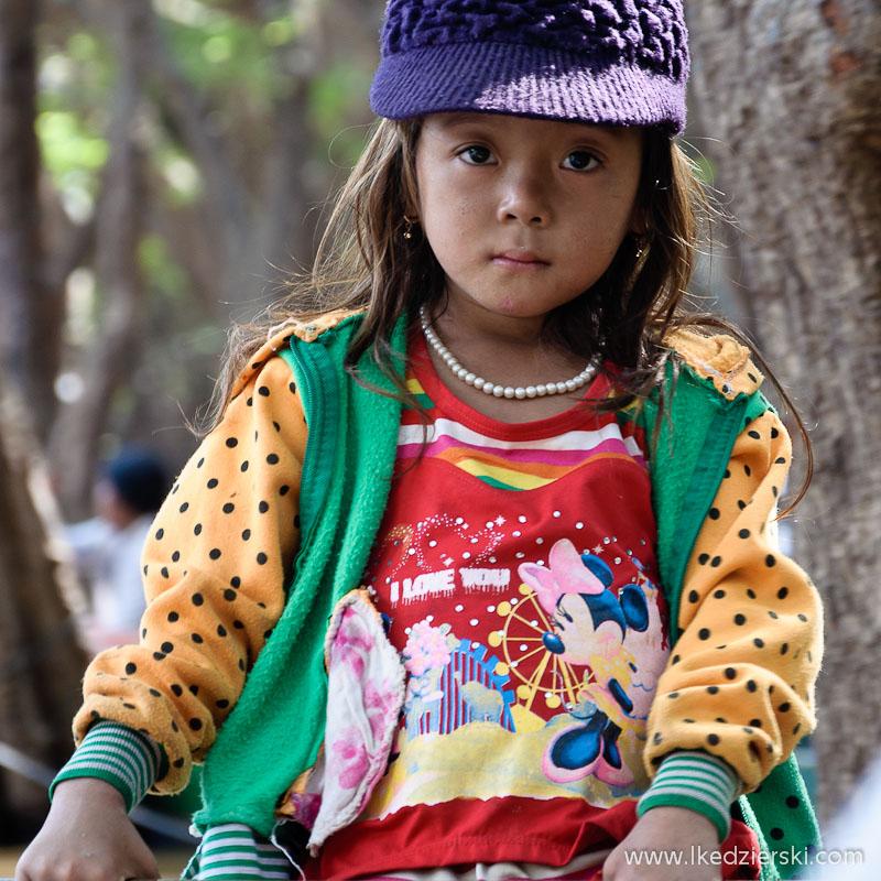 portrety dzieci świata