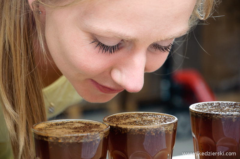 cup tasting wąchanie