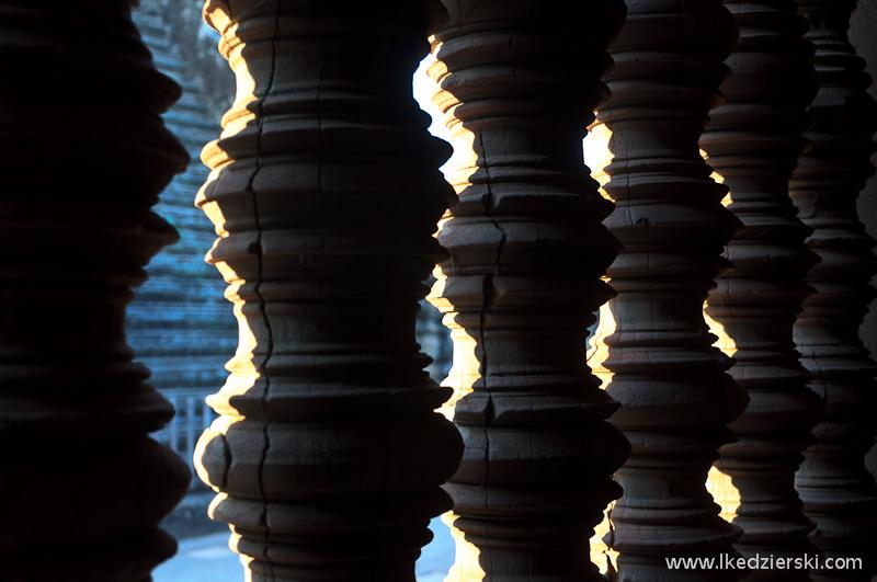 zwiedzanie angkor wat kamienny bambus