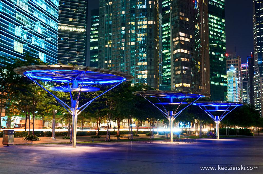 Singapur po zachodzie słońca singapur by night marina bay
