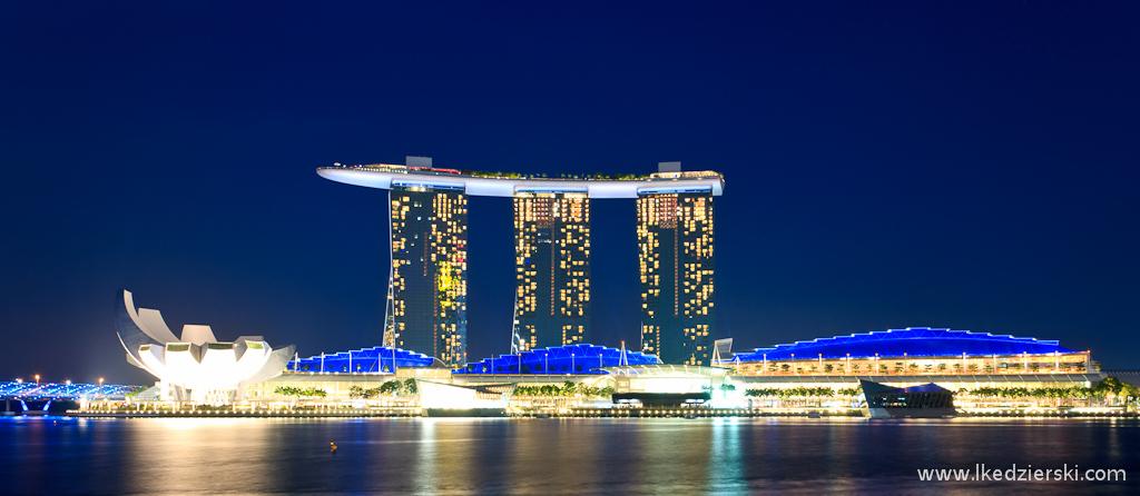 singapur po zachodzie słońca singapur by night marina bay sands