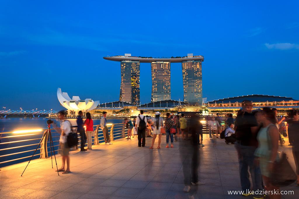 singapur by night marina bay sands