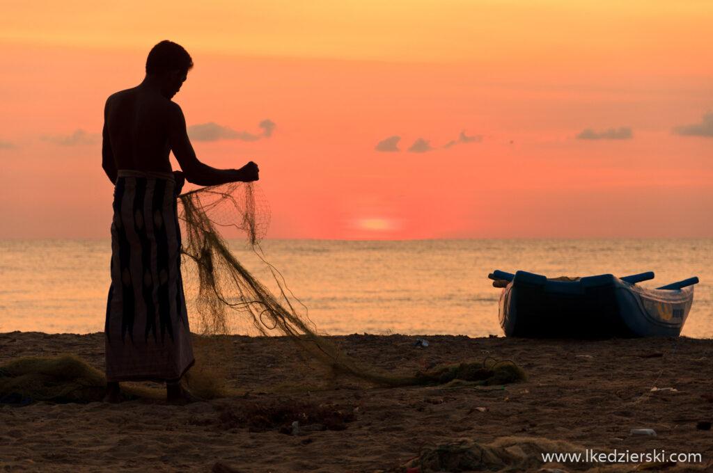 sri lanka zachód słońca rybak