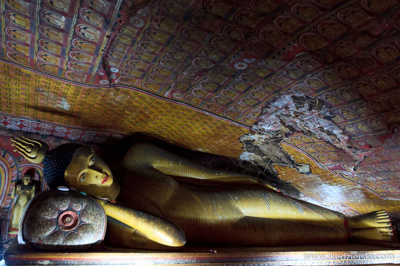 sri lanka dambulla temple maha alut viharaya reclining buddha