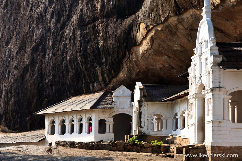 sri lanka dambulla temple