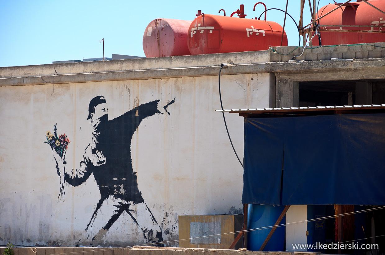 betlejem mur bezpieczeństwa graffiti Banksy, The Flower Thrower