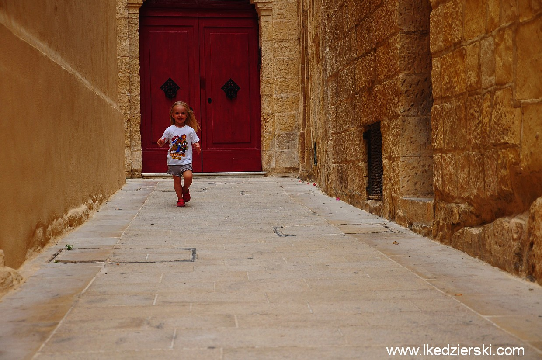 malta mdina street nadia