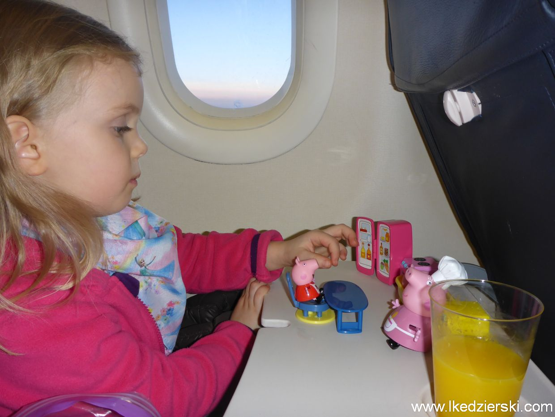nadia zabawy w samolocie