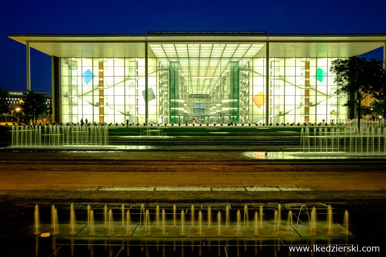 berlin paul lobe haus berlin na nocnych zdjęciach