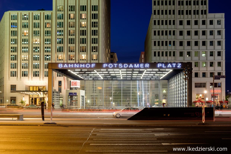 berlin potsdamer platz berlin na nocnych zdjęciach