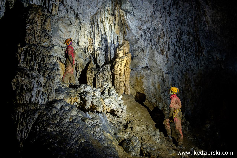 jaskinia vranja jaskinie w słowenii cave