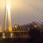 Most Rędziński spowity we mgle