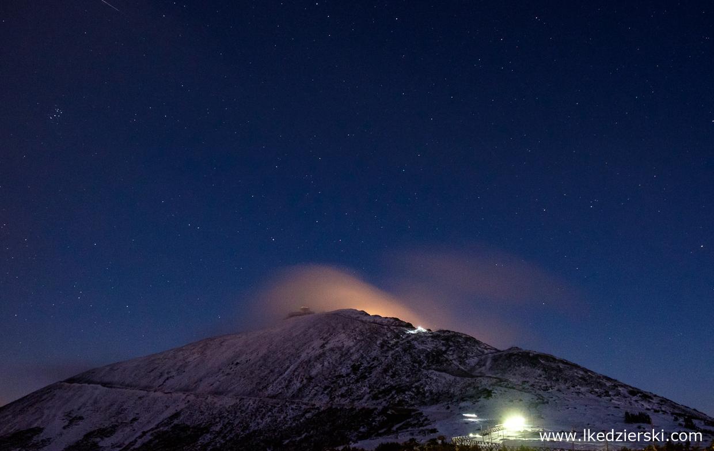 noc w karkonoszach nocne zdjęcia gór nocne zdjęcia karkonoszy śnieżka nocą