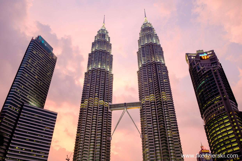 malezja kuala lumpur petronas towers sunset