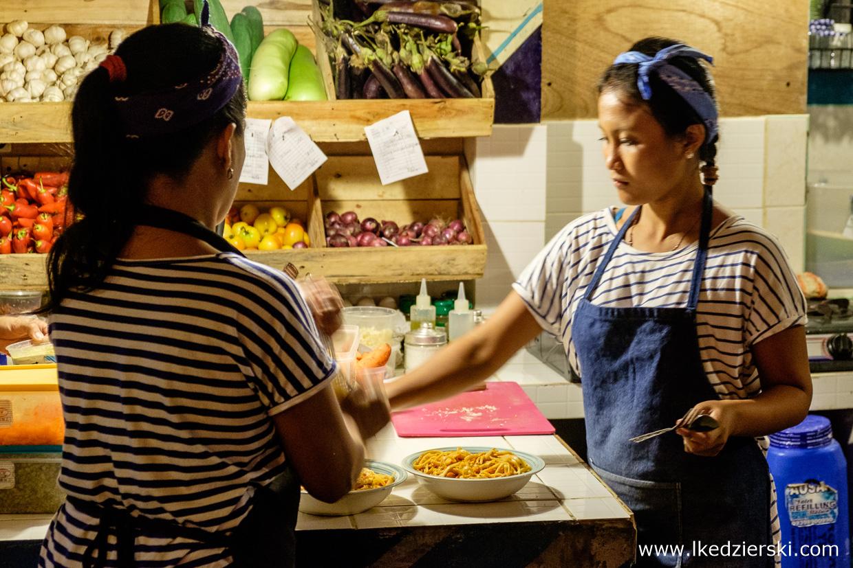 filipiny port barton jedzenie gorgonzola