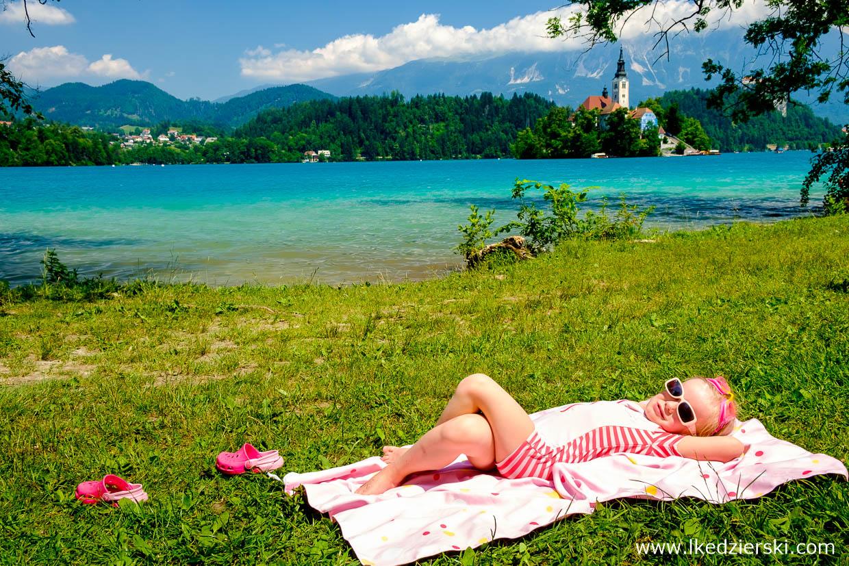 słowenia jezioro bled plażowanie