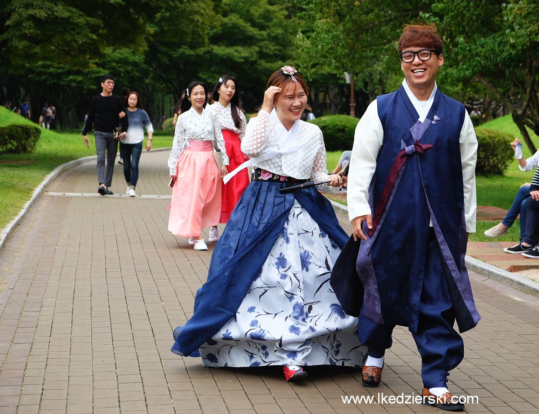 gyeongju tradycyjne stroje korea południowa