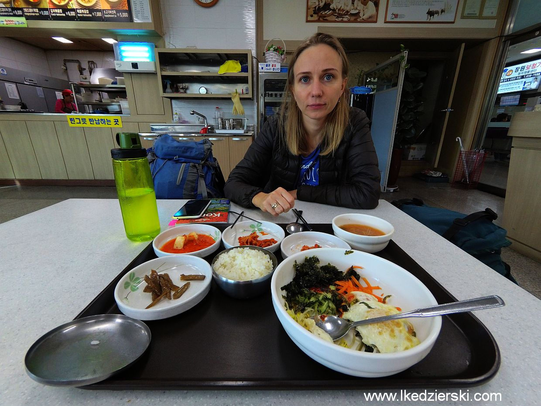 koreańskie jedzenie bibimbap